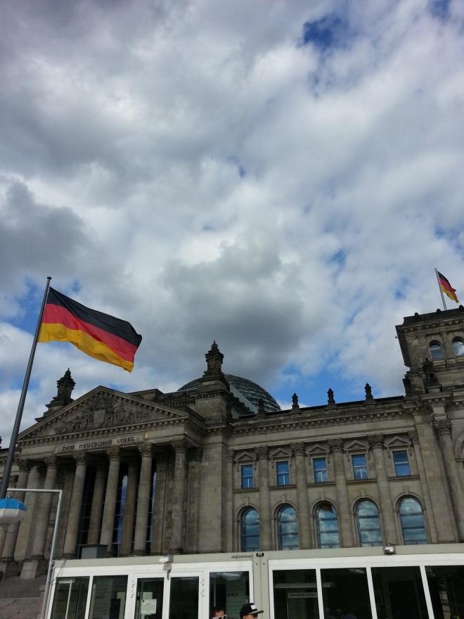 Reichstag_DeutcheFlag
